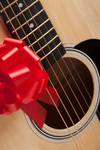 The 10 Best Dorm Gifts for College Guitarists